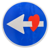 ┬®CLET-2016-Cuore-Spray-painting-on-original-road-sign-1988-├ÿ60cm